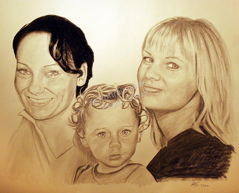 Eine Portraitzeichnung - Kohlezeichnung zwei Frauen und ein Kind, Familienzeichnung Familienportrait