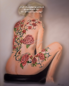 Aktgemälde als Pastellgemälde - Frauen-Aktgemälde, erotisches Frauen Akt-Gemälde einer tätowierten Frau